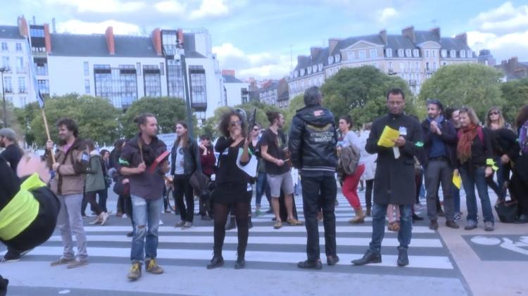 vlipp - Contrats aidés : la mobilisation continue !